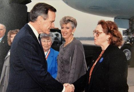Pamela Robinson Meets Pres. Bush